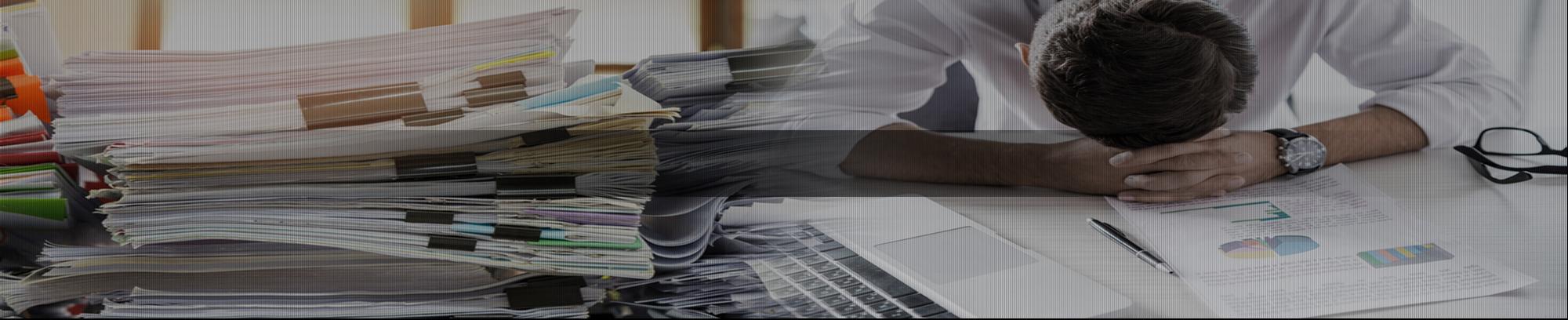 膨大な紙書類のキャビネット保管、検索、 データ手入力に困っていませんか?
